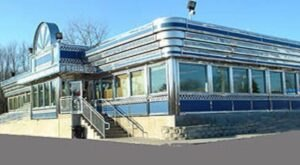 You Won't Want To Miss Out On These 10 Roadside Diners When Driving Through Connecticut