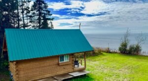 Stay High On A Bluff Above The Kenai River In This Cozy Alaskan Cabin
