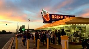 Ice Cream From Dairy Palace In Delaware Is Well Worth Waiting In Line For