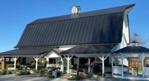 The One-Of-A-Kind Schuh Farm In Washington Serves Up Fresh Homemade Pie To Die For