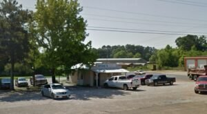 This Tiny Shop In Mississippi Serves A Sausage Sandwich To Die For