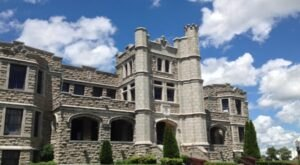 There's A Castle In Missouri That's Also An Escape Room And It's A Mystery Lover's Happy Place
