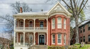 You'll Be Surrounded By History And Maybe A Few Spirits At Baer House In Mississippi