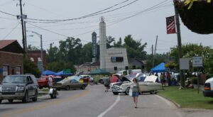 The Alabama Blueberry Festival In The Small Town Of Brewton Celebrates Its 40th Year