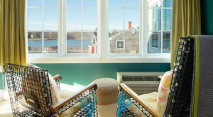 The Most Maine Experience You Can Have Is An Overnight Stay In This Lobster Themed Suite