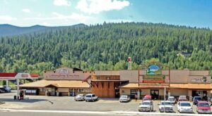With Both A Live Trout Aquarium And An Ice Cream Stop, Montana's St. Regis Travel Center Is An Underrated Day Trip Stop