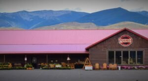 There's A Little Bit Of Amish Country In Idaho At This Quaint Market That's Way Out In The Backcountry