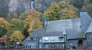 Dine While Overlooking Waterfalls At Multnomah Falls Lodge In Oregon