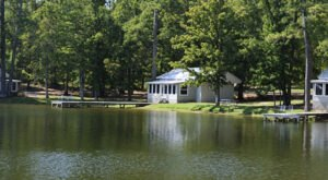 These Quaint Cottages On The Shores Of Lake Tiak O'Khata In Mississippi Will Make Your Summer Splendid