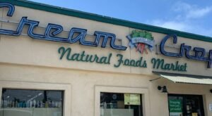 Get The Best Sandwiches And Fresh Produce At This Natural Food Market Just Blocks From The Beach In Southern California