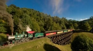 5 Ridiculously Charming Train Rides To Take In North Carolina This Season