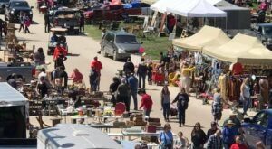 You Could Spend Hours At This Giant Outdoor Marketplace In Iowa