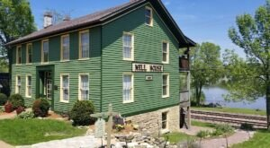 Drop Your Anchor And Savor The View In This Iowa Bed And Breakfast That Was Home To A River Boat Captain