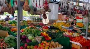 Enjoy An Indoor & Outdoor Farmers Market In Florida Situated On Over 27 Acres Of Land