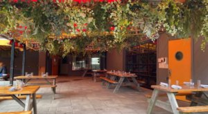 Visit This Gorgeous Garden-Themed Restaurant In Rhode Island For An Enchanting Experience