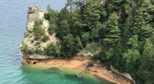 Miners Castle Trail Is An Easy Hike In Michigan That Takes You To An Unforgettable View