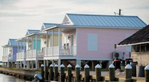 Spend The Night In A Dreamy Waterfront Cottage At Key West Cottages In Virginia