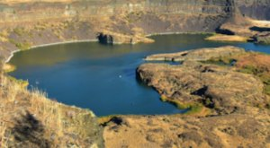 Dry Falls State Is A Scenic Outdoor Spot In Washington That's A Nature Lover's Dream Come True