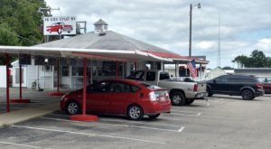 Start Planning A Trip To Hi-Lite Drive In, A Retro Michigan Diner Where You'll Be Served By Carhops