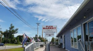 Shop 'Til You Drop At Southern Maine Flea Market, One Of The Largest Flea Markets In Maine