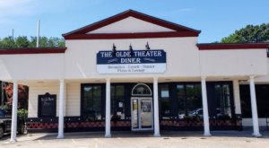 Savor A Meal With A Side Of Nostalgia At The Olde Theater Diner In Rhode Island