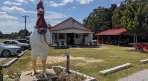 Grits & Groceries Is A South Carolina Restaurant That's In The Middle Of Nowhere, But Worth The Drive