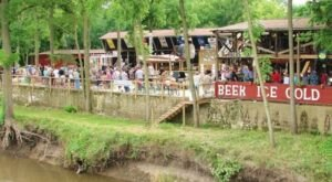 There's No Place Quite Like Bobbers Tap, A Quirky Outdoor Waterfront Bar In Illinois