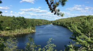 The Trail In Rhode Island That Will Lead You On An Adventure Like No Other