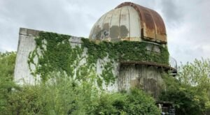 You Can Hike To An Abandoned Observatory On This Trail In Illinois