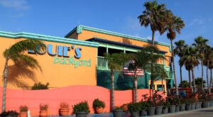 The All-You-Can-Eat Prime Rib And Seafood Buffet At Louie's Backyard In Texas Is The Perfect Coastal Meal