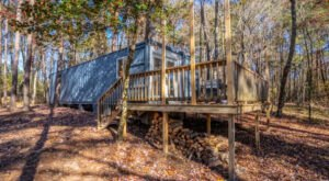 An Overnight Stay At This Shipping Container Airbnb Lets You Experience The Beauty Of Alabama's Little River Canyon