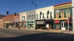 7 Small Towns In Illinois That Are Full Of Charm And Perfect For A Weekend Escape
