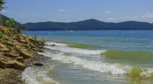 5 Of The Clearest Lakes In Kentucky, Perfect For A Day Of Swimming