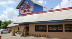 Head To The Madden Crab In Mississippi For A Delicious Taste Of The Sea