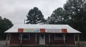 Don't Let The Outside Fool You, This Burger Restaurant In Arkansas Is A True Hidden Gem
