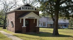 One Of The Nation's Smallest Libraries Is Right Here In Arkansas