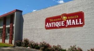 Explore More Than 128 Booths Brimming With Collectibles At Treasure Aisles Antique Mall In Missouri