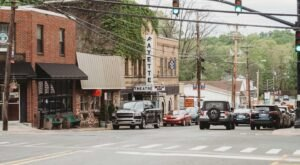 It's Official: West Virginia's Very Own Fayetteville Is One Of The Country's Best Small Towns To Visit This Year