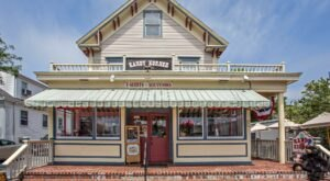 The Absolutely Whimsical Candy Store In Massachusetts, Kandy Korner Will Make You Feel Like A Kid Again