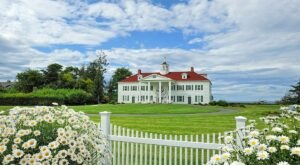 Relax And Unwind At This Luxury Bed & Breakfast On The Strait Of Juan De Fuca In Washington