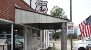 Take A Delicious Trip To The Old Rural South When You Visit The Highway 1 Cafe In South Carolina
