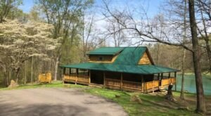 Sneak Away To Diamond Lake Cabins In Ohio For A Waterfront Weekend Of Rest And Relaxation