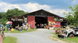The World's Longest Yard Sale Spans 690 Miles From Michigan To Alabama And You Won't Want To Miss It