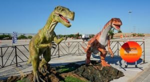An Interactive Drive-Thru Exhibit With Life-Size Dinosaurs Is Coming To Pittsburgh Soon