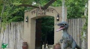 There's A Dinosaur Themed Park In Louisiana Called Prehistoric Park