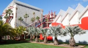 You Won't Want To Miss Out On Visiting The Largest Art Museum On The West Coast In Southern California