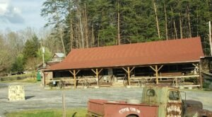 You'll Be Transported To Southern Dining At the Hillbilly Hideaway in North Carolina
