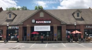 Try Authentic Chicago-Style Pizza In Kentucky At The Favorite Bourbon House Pizza