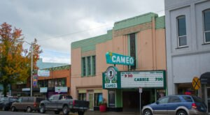 Oregon's Charming, Historic Cameo Theatre Has Been Showing Films Since 1937
