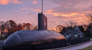Take This Quirky Road Trip To Visit New Hampshire's Most Unique Roadside Attractions